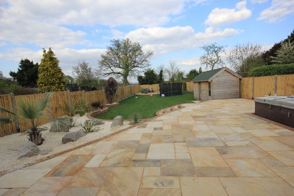 Gravesend, Kent using  Indian sandstone-0