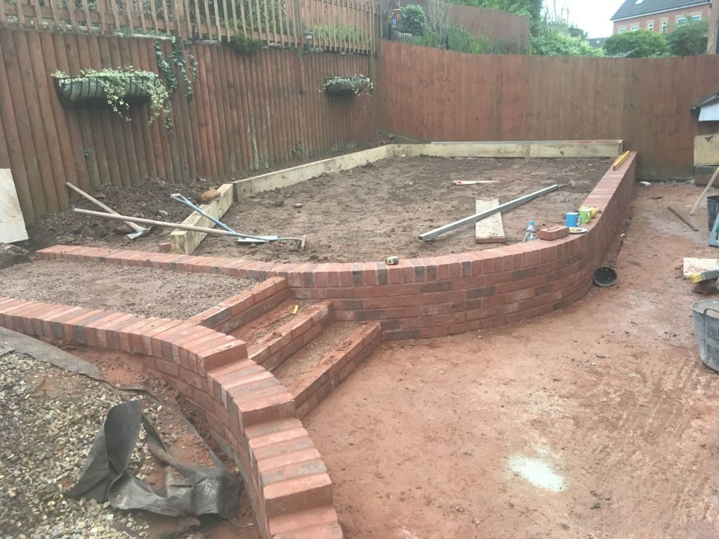 Chepstow mint fossil Indian sand stone with red decoter multi brick retaining wall-3