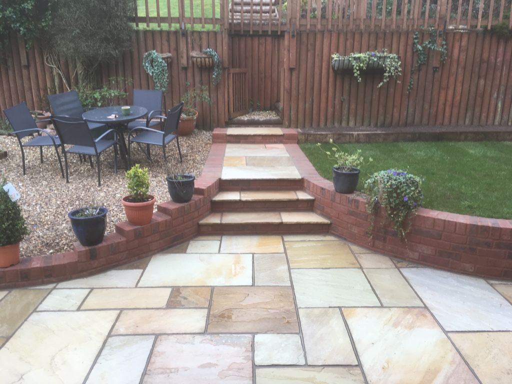 Chepstow mint fossil Indian sand stone with red decoter multi brick retaining wall-7